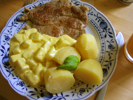 kohlrabi_in_curry-sahne-sos.png