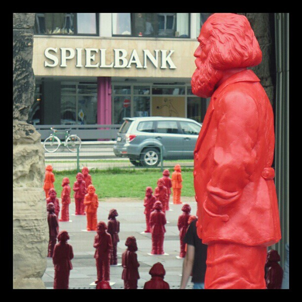 Photo: #Marx @ #Porta #Nigra in #Trier  wondering why there is a #casino directly facing the city&#039;s most important #monument. #sculpture