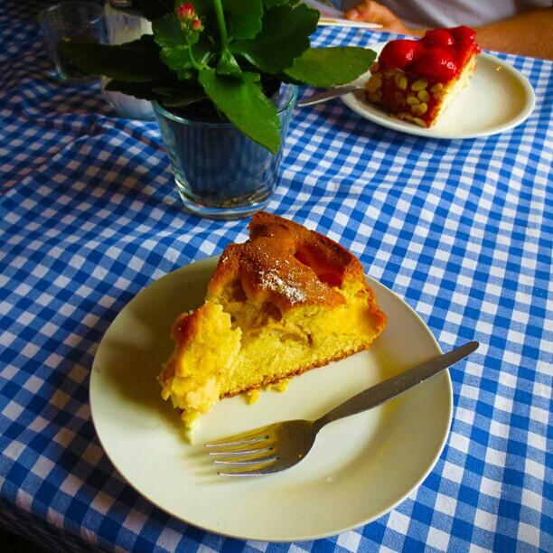 Photo: #Kaffee und #Kuchen im #Café #Mohrenkopf über #Trier.
