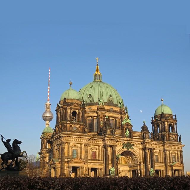 Photo: #Berlin #Deutscher #Dom #Fernsehturm #Mond