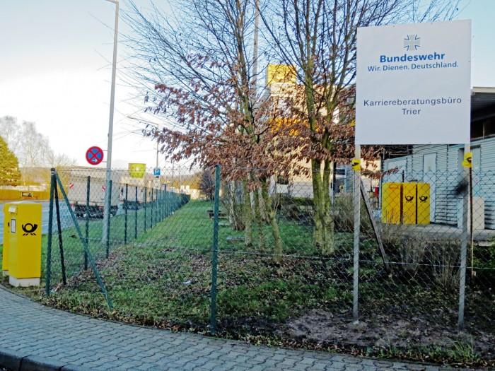 Bundeswehr und Post am Trierer Hafen