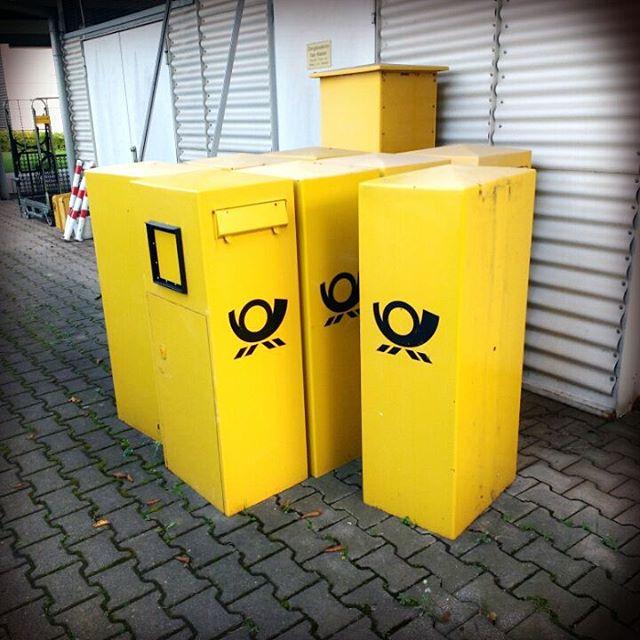 Photo: Kein Briefkasten weit und breit? Kein Wunder! Die hatten heute Betriebsausflug.