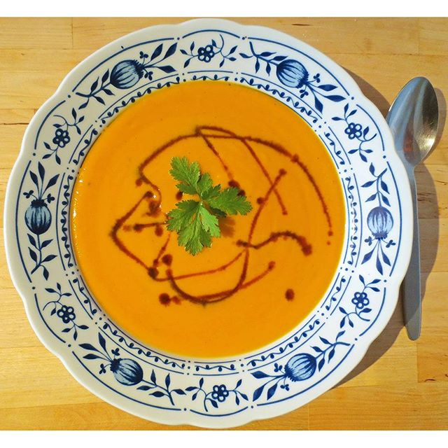 Photo: #Pumpkinsoup with #carrots, #ginger, and #coconut milk.It's autumn after all... #cilantro #pumpkin #hokkaido #garden #organic #allotment #homemade #food