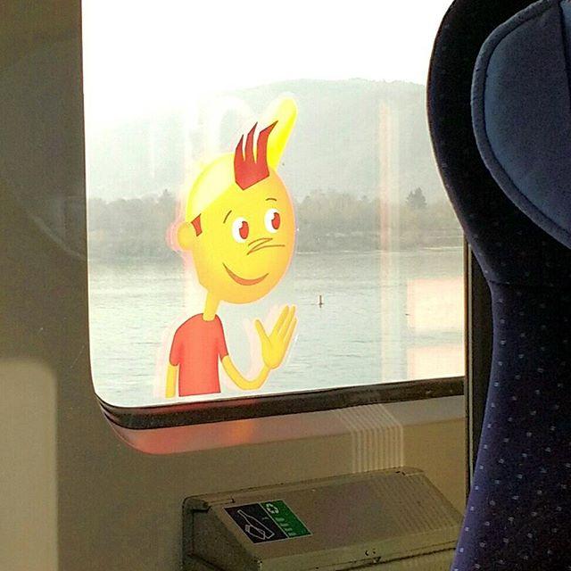 Photo: Ist das so eine Figur, die in der Parallelwelt der autofreien, mobilen Familien Celebrity-Status hat? Familienabteil-Felix? Bahn-Benno?