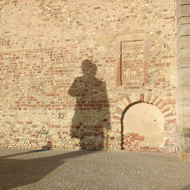 Photo: Marxens Schatten #karlmarx #Trier #Statue #Marx