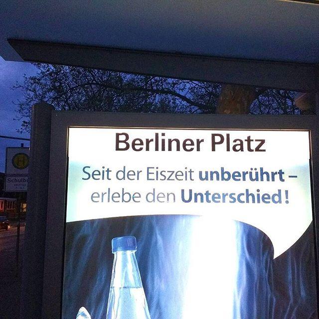 Photo: #Ludwigsburg-Ost #Spaziergang #Stadionbad #Werbung #Haltestelle.