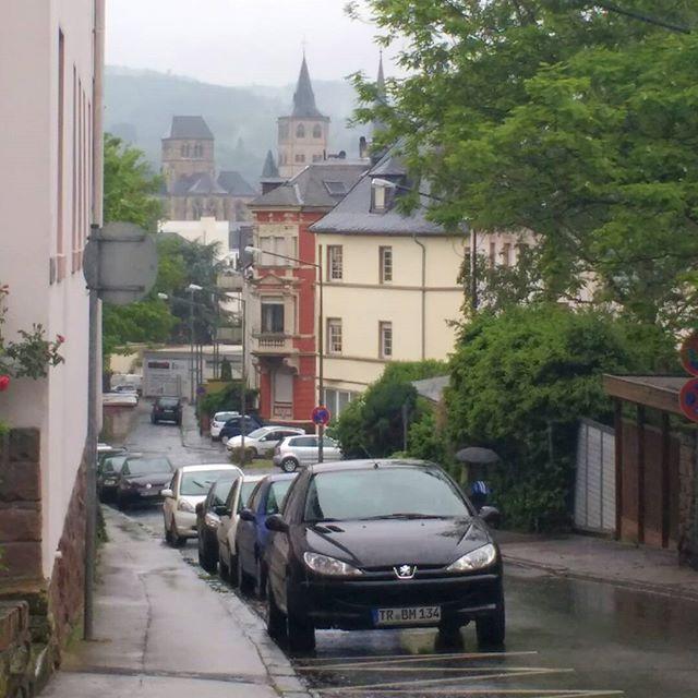 Photo: Verregnetes #Trier. #Dom #ost #liebfrauenkirche #regen