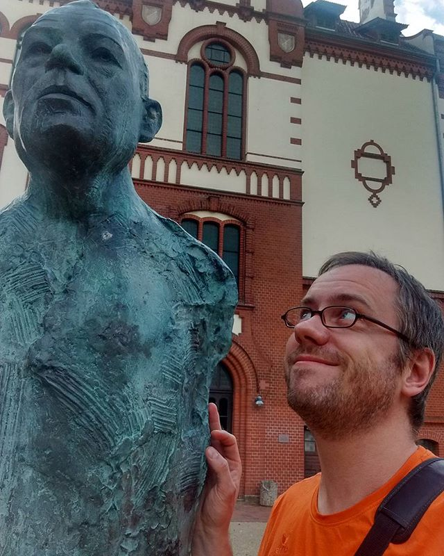 Photo: Tall guy: Uwe #Johnson in #Güstrow. #vacation #Lähnwitz #latergram #nature