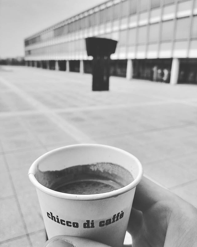 Photo: #Espresso doppio @ #phludwigsburg #coffee#architecture#square#menschenleer#Ludwigsburg