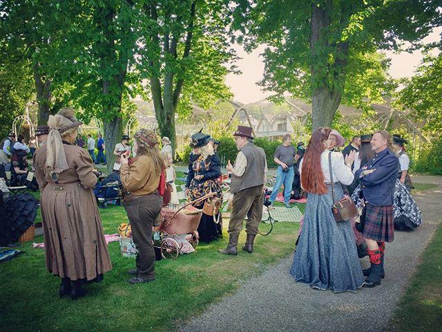 Photo: #steampunk #picknick in #Ludwigsburg . #blüba