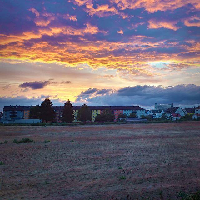 Photo: #Sonnenuntergang über der #Baustelle am #Fuchshof in #Ludwigsburg.