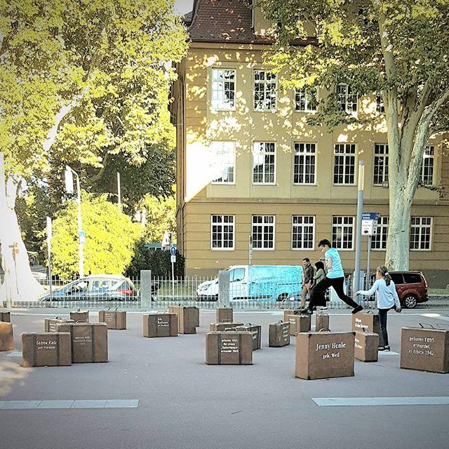 Photo: #Synagogenplatz in #Ludwigsburg. #lubu #luburulz #Spielplatz? #Gedenkstätte #erinneringskultur